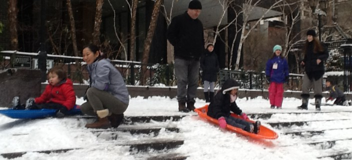 kids sled steps_snow